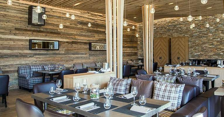 Flims_PeaksPlace_restaurant_01