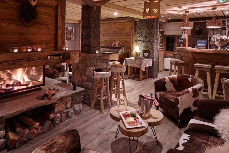 Morzine-La-Chasse-Montagne-lounge-01_01