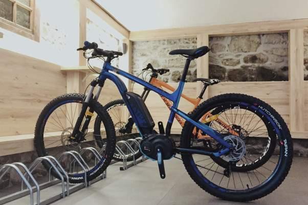Morzine_Emerald_bikeroom_01