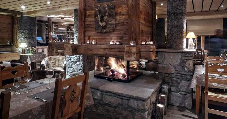 Morzine_LaChasseMontagne_restaurant_01